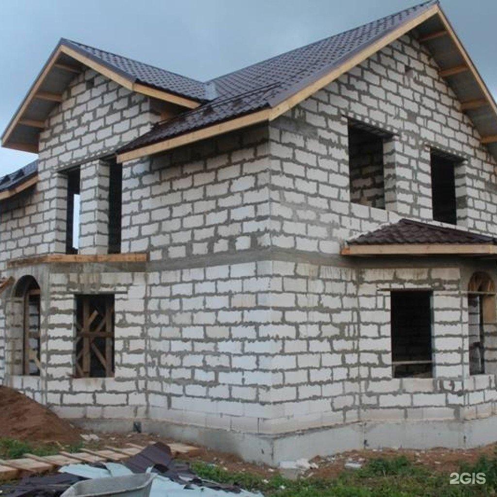 Строительство дома из блоков от фундамента до крыши