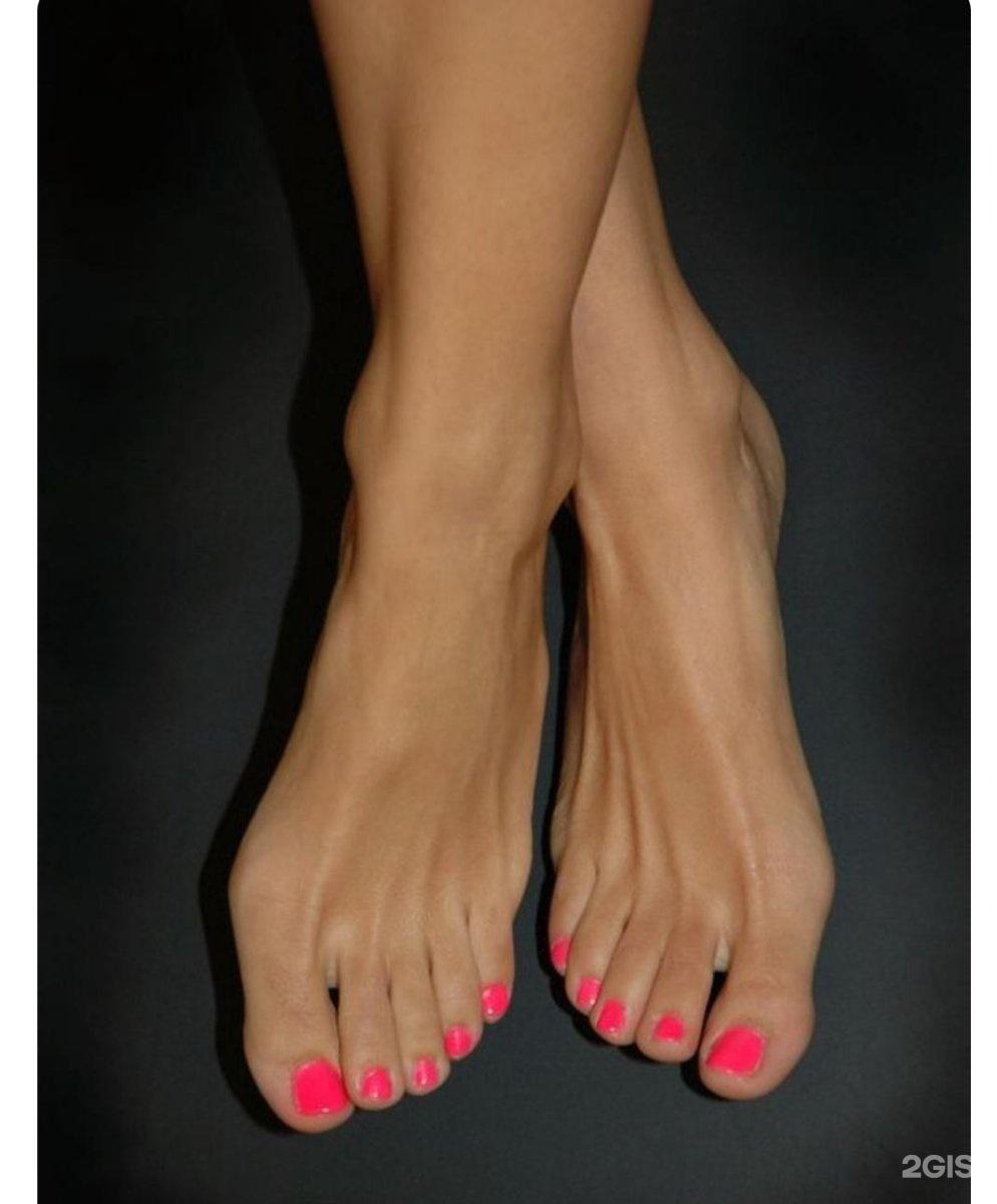 Beautiful womens feet photos