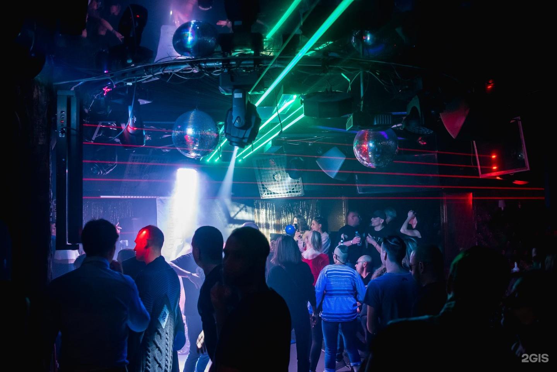 Александровский парк ночной клуб эротическое шоу большие груди