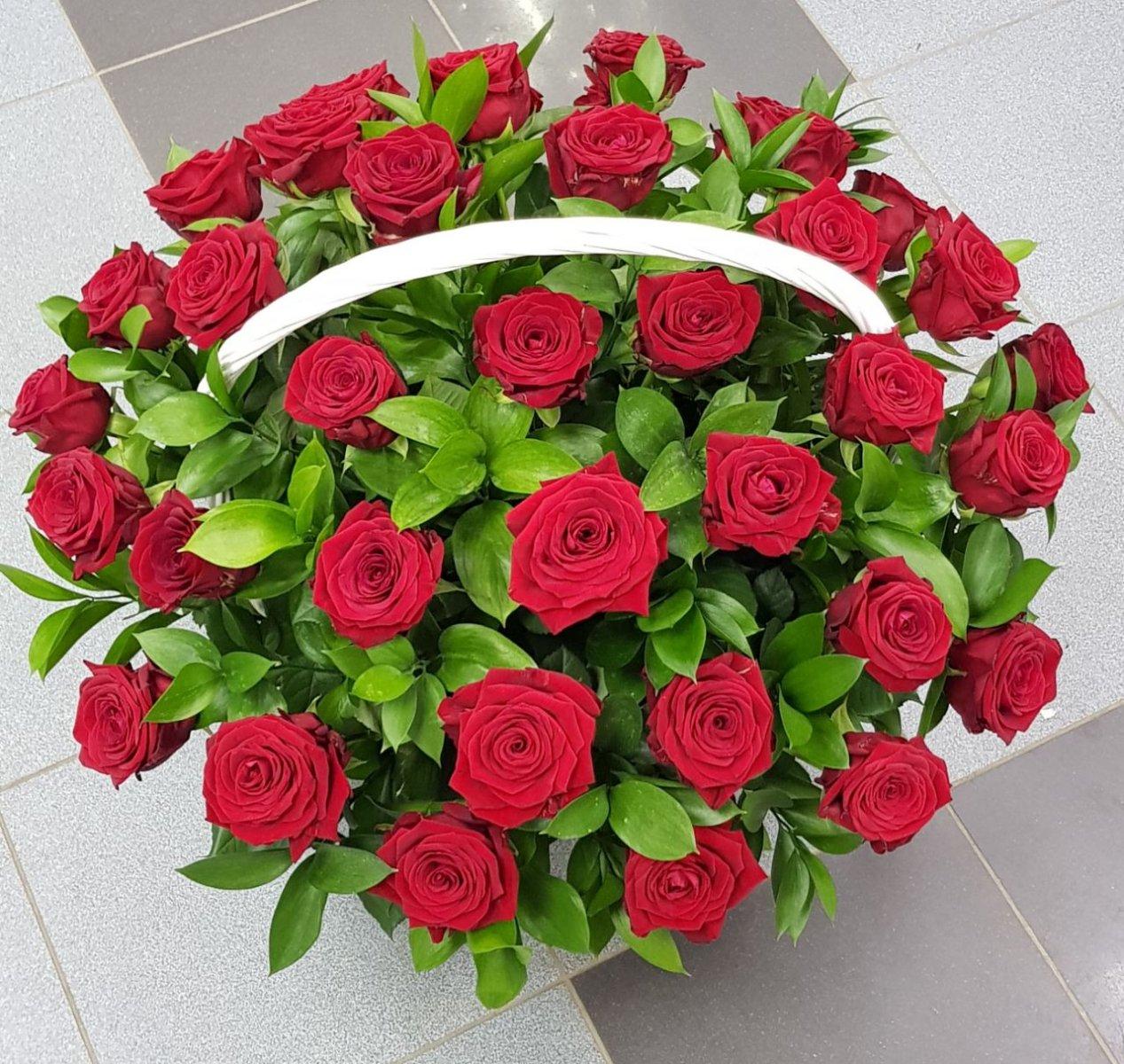 Живые цветы калуга купить розы 250 рублей 10 штук